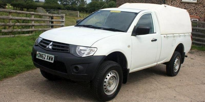 Mitsubishi L200 2.5 did 4x4 Single cab, 2 door pickup.